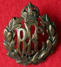 Image of the Royal Flying Corps cap badge